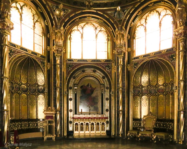 Golden Chapel.